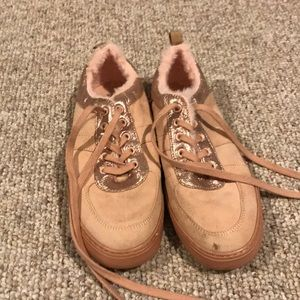 Girl's GAP Shoes Size 5